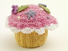 What could be more delicious than this amigurumi play-food cupcake? (Lion Brand Yarn)
