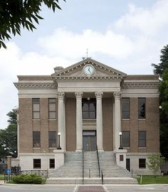 Athens, Alabama - limestone county courthouse