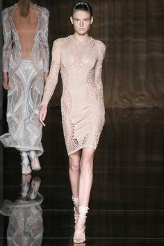 Julien Macdonald Spring 2014 Ready-to-Wear Collection Slideshow on Style.com It's All in the Fabric