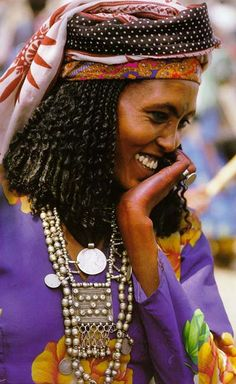 Africa |  Oromo (aka Galla) woman from Ethiopia.  { I am in love with her necklace }.