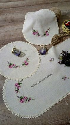 Previous Next Schlafzimmer Set Kreuzstichmuster Source by HomeLand Previous Next Bedroom Bed, Bedroom Decor, Embroidery Stitches, Hand Embroidery, Sunflower Tattoo Design, Design Blog, Homemade Beauty Products, Table Linens, Crafts For Kids