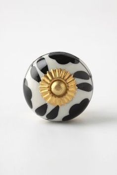 Various knobs from Anthropology - Lots to choose from.