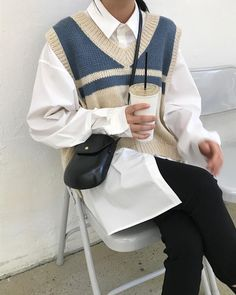 70 Ideas For Womens Hot Outfit Sweater Vest Outfit, Vest Outfits, Mode Outfits, Cute Casual Outfits, Simple Outfits, Simple Dresses, Fall Fashion Outfits, Look Fashion, Winter Outfits