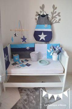 Chambre d 39 enfant b b gar on bleu gris argent blanc on - Tour de lit bebe bleu turquoise ...