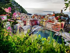 Vernazza-Monterosso hiking trail in the picturesque coastal villages of the Cinque Terre