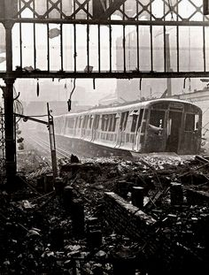 Wartime view of the Metropolitan line platforms at Moorgate station, London, showing the devastation caused by a German air raid - Ap World History, London History, British History, World War Ii, History Images, Asian History, Tudor History, Vintage London, Old London