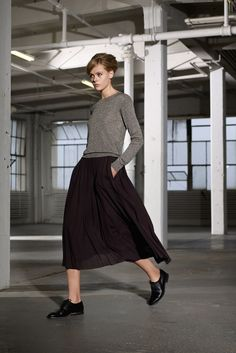 How To Wear Black Oxford Shoes With a Black Midi Skirt | Women's ...