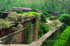 Dumbarton Oaks is one of the most beautiful gardens on the East Coast, and the crowning achievement of Beatrix Farrand, the only female founding member of the American Society of Landscape. Vita Sackville West, Georgetown Washington, Washington Dc Travel, Gaudi, Most Beautiful Gardens, Beautiful Places, Lancaster, Monet, Landscape Design