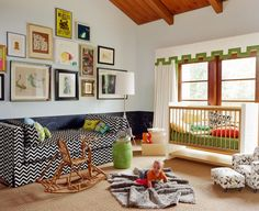 Love the couch. What an awesome nursery this would be. Would love it for my own room!