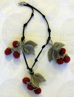 Berry. (Necklace, bracelet and .... one more koleshka)   biser.info - all about the beads and beaded works
