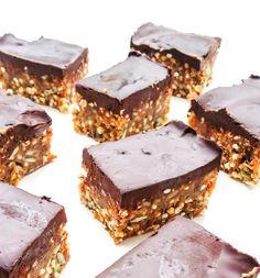 batoniki jaglano-orzechowe z czekoladą Sin Gluten, Energy Bars, Health Fitness, Food And Drink, Cooking Recipes, Yummy Food, Sweets, Vegan, Cookies