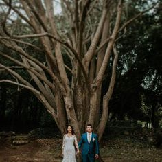 Tree is symolizing a family so those two stand right where they need to be :) -- #justmarried #weddingday #wedding #brideandgroom #lookslikefilm #junebugweddings #brides #weddinginspiration #lukartweddings #greenweddingshoes #livefolk #tree #forest #tribearchipelago #lxc #flothemes #rovinj #weddinginistria #croatiaweddingphotographer #weddingphotographer
