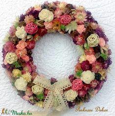 Szalmarózsa koszorú/kopogtató nagy méret (29 cm) KÉSZTERMÉK (pinkrose) - Meska.hu Floral Wreath, Wreaths, Vintage, Home Decor, Flower Crown, Decoration Home, Door Wreaths, Deco Mesh Wreaths, Interior Design