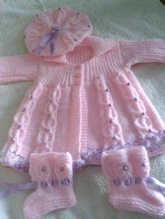 Crochet Baby Cardigan Free Pattern, Baby Boy Knitting Patterns Free, Baby Dress Patterns, Knitted Baby Clothes, Baby Sweaters, Barbie, Pink Dress, Diy Crafts, Knit Baby Sweaters