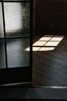 textured glass: light