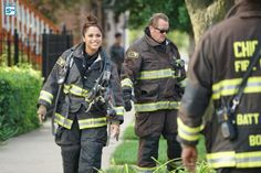 'Chicago Fire' Will Continue to Delve into Dawson's Loss in Episode 5 Chicago Fire Casey, Chicago Med, Chicago Crossover, Monica Raymund, Chicago Shows, Great Tv Shows, Episode 5, Season 4, Firefighter