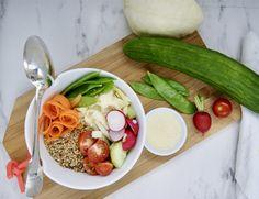 Poke Bowl, Buddha Bowl, Mayonnaise, Cobb Salad, Quinoa, Vegan, Beans Recipes, Cherry Tomatoes, Sprouts