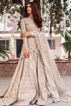 Beautiful Pakistani bridalwear from Zuria Dor collection for Mehndi Barat and Walima Kundan net wedding dress with short overlapping shirt, flared sharara and kundan net… Asian Bridal Dresses, Pakistani Wedding Outfits, Pakistani Wedding Dresses, Pakistani Dress Design, Bridal Outfits, Pakistani Gowns, Asian Wedding Dress, Walima Dress, Shadi Dresses