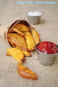spicy garlic potato wedges