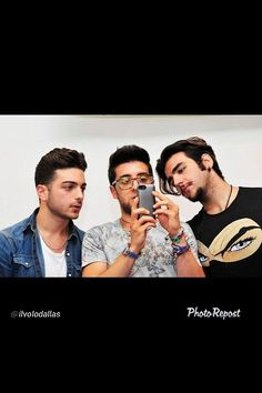 Something happening with Piero's cellphone!
