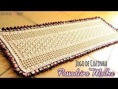 Quer aprender agora como fazer passadeira em crochê simples? Quer aulas grátis de crochê em passo a passo todos os dias sempre? Acesse Já! Tapetes Zig Zag, Malbec, Crochet Videos, Crochet Projects, Zip Around Wallet, Make It Yourself, Youtube, Blog, Desi