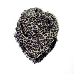 Jungle scarf. http://www.eldasign.com/shop/scarfs/jungle/
