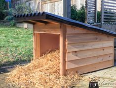 DIY Recycling Centre - A beginner build Bird Houses Diy, Dog Houses, Outdoor Paint, Outdoor Dog, Diy Entryway Table, Solar Licht, Dog House Plans, Diy Cans, Diy Coffee Table