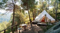 De charme camping Forest Days Glamping in Navès is een rustige natuurcamping in de provincie Lérida (Lleida) in Catalonië in het noorden van Spanje.