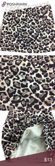 "Black White Tan Cheetah Leopard Animal Print Skirt Ann Taylor LOFT women's cheetah/ leopard animal print skirt in great condition. Size 4.  Product Features: 2 front pockets Side zipper Polyester lining Measurements (lying flat - across the front):  Waist - 16"" Hips - 18.5"" Hem - 21"" Length -  17"" (waist to hem) Ann Taylor Skirts Mini"