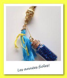 Charm's les années fioles Bleu et jaune : Pendentif par lesbijouxdelareine