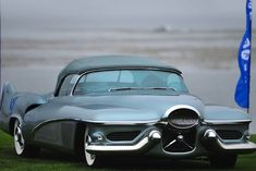 KHI stock photography and stock images of a space-age futuristic GM vintage 1950 Buick LeSabre Concept Car by General Motors. Retro Cars, Vintage Cars, Automobile, Strange Cars, Buick Cars, Buick Lesabre, Roadster, Futuristic Cars, Unique Cars
