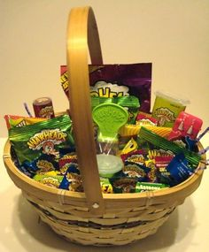Warheads Candy Gift Basket - Sour Candy OMG amazing love spur things!!!!!!