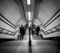 Subway newyorkais  #newyork #subway #metro #steps #ville #tunnel #symetrie #photo #bkackandwhite  #street