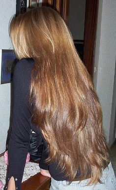 Pin by Stephen Podhaski on Hair beautiful long hair Gorgeous , silky , shiny , super long hair . Long Silky Hair, Long Brown Hair, Brown Blonde Hair, Very Long Hair, Thick Long Hair, Layers In Long Hair, Straight Long Hair, Long Straight Layered Hair, Smooth Hair