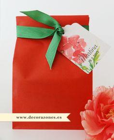 Bolsa de papel, etiqueta y cinta