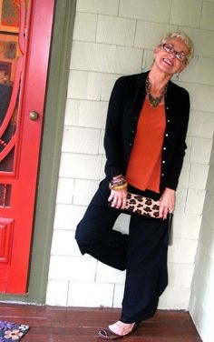 Fashionable Woman at I like this casual, yet pulled together style, that can go almost anywhere. Mature Fashion, Over 50 Womens Fashion, Fashion Over 40, 50 Fashion, Style And Grace, Style Me, Classy Style, Mode Hippie, Advanced Style