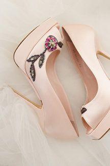 Dior Bridal Shoes, Stiletto Heels, Dior, Fashion, Bride Shoes Flats, Moda, Dior Couture, Fashion Styles, Fasion