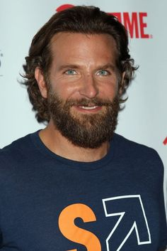 Bradley Cooper works up sweat with bushy beard Trending Beard Styles, Beard Styles For Men, Hair And Beard Styles, Mens Hairstyles With Beard, Haircuts For Men, Men's Hairstyles, Bearded Tattooed Men, Red Beard, Short Beard