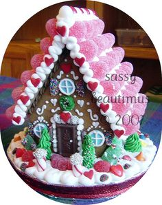 Sassybeautimus makes the most beautiful gingerbread houses!Sassybeautimus makes the most beautiful gingerbread houses! Gingerbread House Designs, Gingerbread House Parties, Gingerbread Village, Christmas Gingerbread House, Noel Christmas, Christmas Goodies, Gingerbread Man, Christmas Baking, Gingerbread Cookies