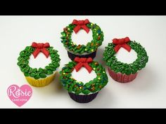 How to make a BUTTERCREAM CHRISTMAS WREATH CUPCAKE - YouTube