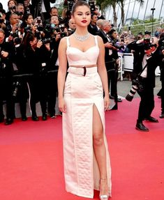 Selena at Cannes flim festival. Selena Gomez White Dress, Selena Gomez Style, Insta Outfits, Instyle Magazine, Teen Vogue, Red Carpet Looks, Celebs, Celebrities, Cannes Film Festival