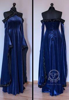 LOVE Prom Dresses Medieval Fantasy dress by Dolores-de-Ville on deviantART Pretty Outfits, Pretty Dresses, Beautiful Dresses, Medieval Dress, Medieval Clothing, Medieval Fantasy, Art Medieval, Renaissance Dresses, Mode Outfits