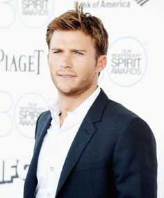 Buzzing: Scott Eastwood Posts a Cute Father-Son Photo from Clint Eastwood's Movie Set Texas Chainsaw 3d, Father Son Photos, Father And Son, Nicholas Sparks, Clint And Scott Eastwood, Heath And Fitness, Cute Celebrities, Celebs, Raining Men
