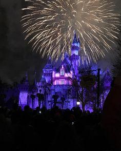 @disneyland how I miss you #CantWaittoGoBack  Disneyland Forever  _____ #california #picoftheday #disneyside #disneylife #liveatdisneyland #love #happiestplaceonearth #tinkerbell #disneyland60 #myfavorite #instadisney #dayoff #disneylandhd #disney #disneyland #nofilter #latergram #disneybound #disneylove #dlr #myworld #magickingdom #disneygram #disneylandresort #dca by milessperhour