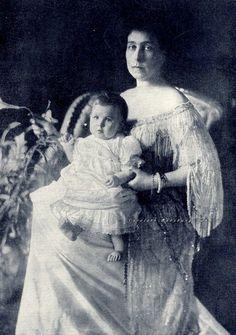 Grand Duchess Victoria Feodorovna and daughter, Princess Maria Kirillovna of Russia. 1907