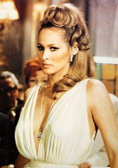 Ursula Andress in Casino Royale James Bond, Ursula Andress, Bond Girls, Jane Birkin, Brigitte Bardot, Classic Hollywood, Old Hollywood, Divas, Casino Royale