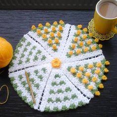 Sarı rengi sevenlerden sarı kalpler rica etsek? ☺️ Marifetli: @sulenin.mutfagi #10marifet #örgülif #orgulif #banyolifi #lif #lifmodelleri #tığişi #crochet