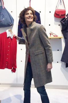 Re-organizing everything #maniac #newcoat #tweed #addicted @inesdelafressangeparis #today #parisianstyle #parisshopping #tweedcoat ~ Follow my board (La Parisienne @ Lyne Labrèche) for more inspiration!