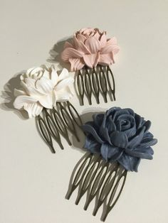 Peony vintage style hair combs Vintage Style, Vintage Fashion, Hair Combs, Peony Flower, Style Hair, Flowers In Hair, Peonies, Bobby Pins, Jewelry Accessories
