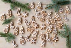 Fursecuri simple pentru Moș Crăciun Deli, Gingerbread, Christmas Wreaths, Deserts, Holiday Decor, Food, Origami, Fine Dining, Banana